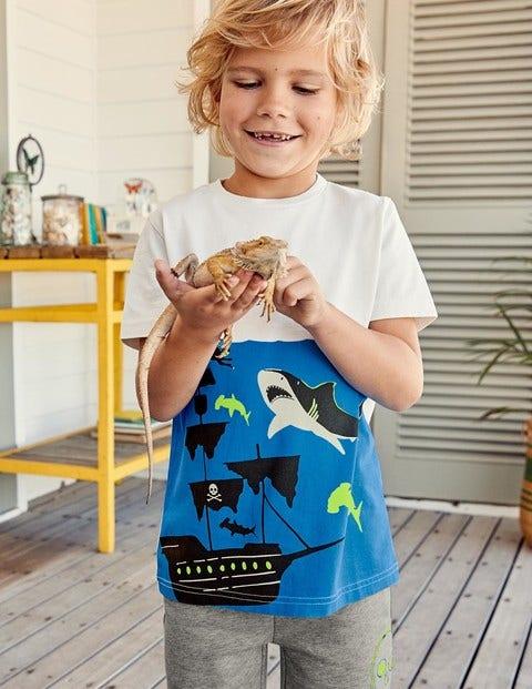 Underwater Graphic T-Shirt - Ecru Shark Shipwreck