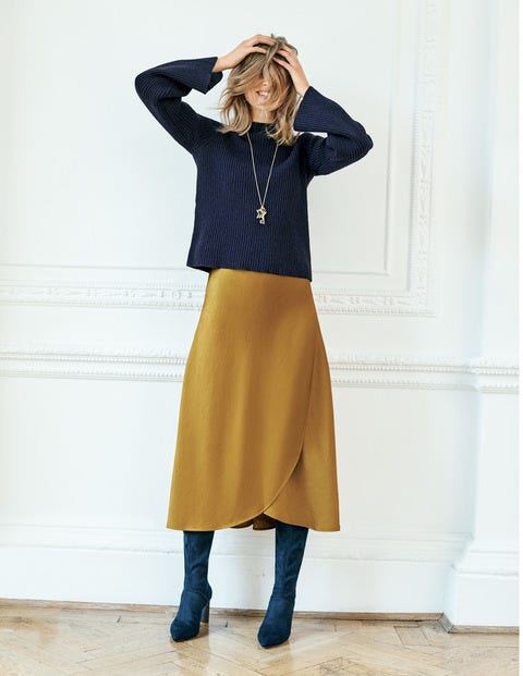 9ce92eff3 Trends-day Tuesday: The best midi skirts   GMA