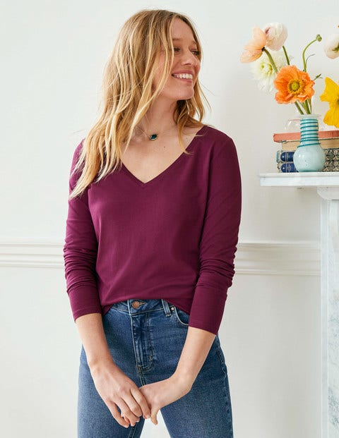 Supersoft V-neck Tee - Ruby Ring