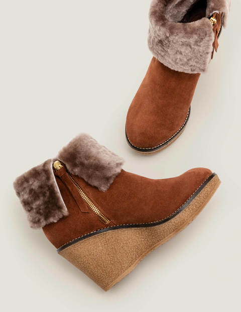 Chaldon Shearling Wedge Boots - Tan