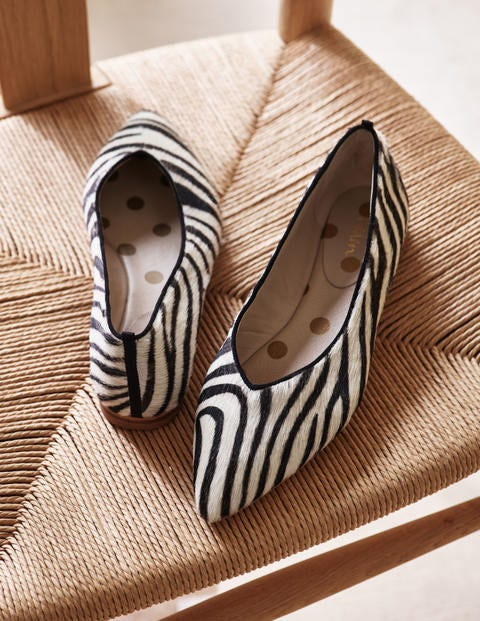 Julia Pointed Flats - Zebra