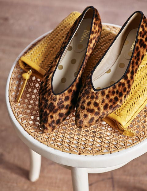Julia Pointed Flats - Tan Leopard