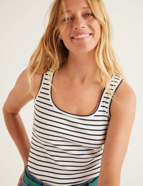 Essential Vest - Ivory/Navy