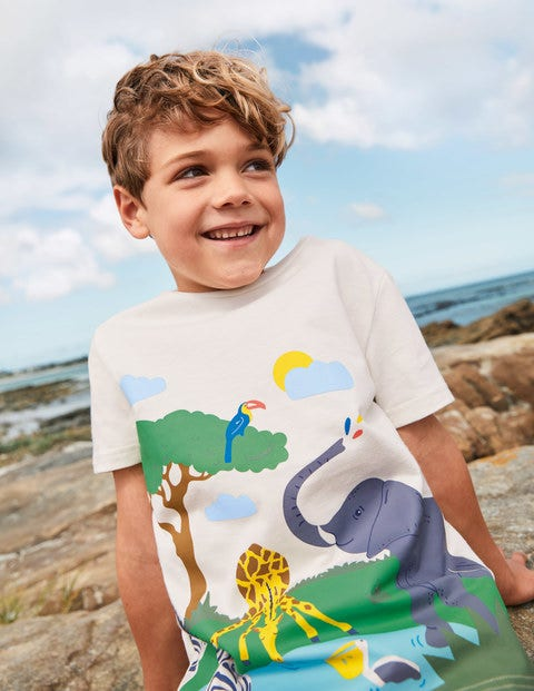 Tropical Scene T-shirt - Ivory Safari Animals