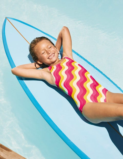 Gemusterter Badeanzug mit überkreuzten Trägern