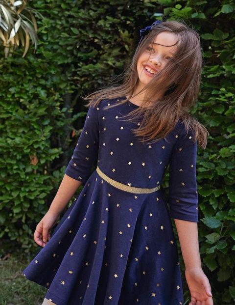 Kleid mit Tellerrock und Foliensternen