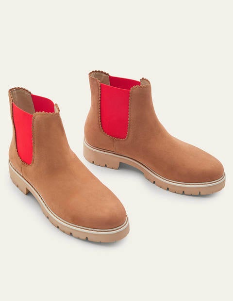 Scallop Detail Chelsea Boots
