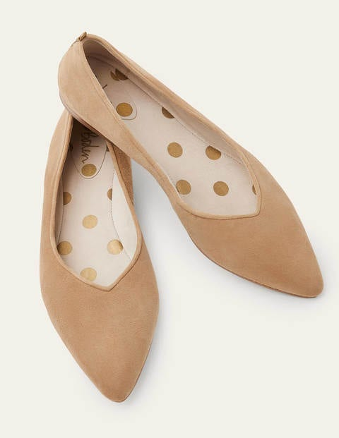 Julia Pointed Flats - Camel