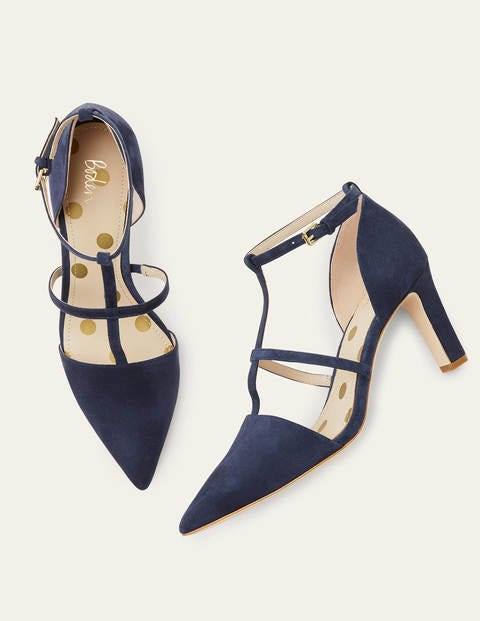 Mila Pumps