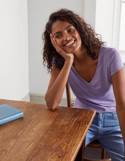 Superweiches T-Shirt mit gerafftem V-Ausschnitt - Kühles Violett