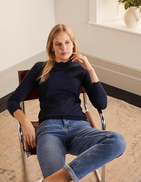 Hambleden Scallop Sweater - Navy