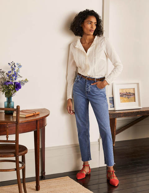 Relaxed Straight Jeans