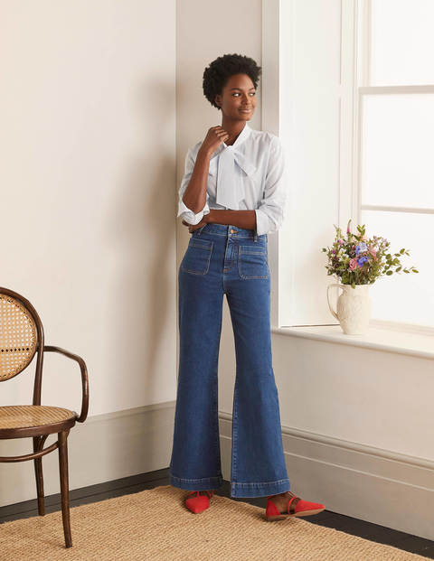 Patch Pocket Wide Leg Jeans
