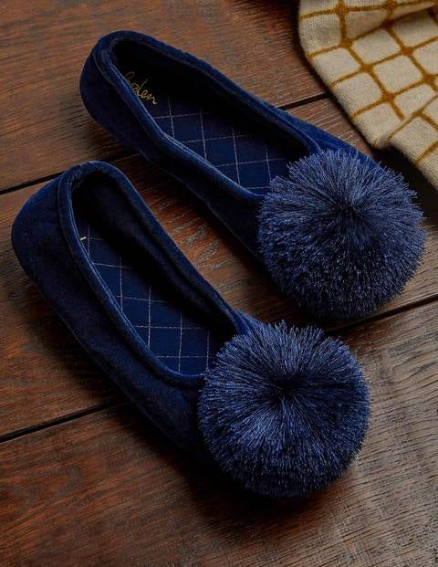 Pompom Slippers