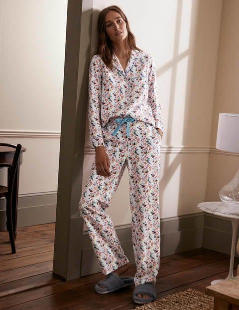 Vanessa Bequemer Schlafanzug