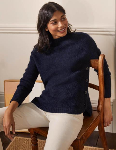Flauschiger Pullover mit seitlichem Knopf