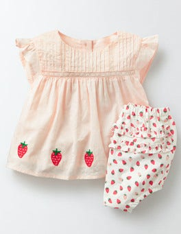 Coral Crush Strawberries Holiday Play Set