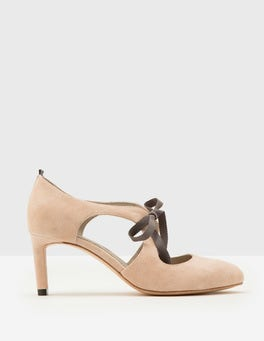 Cut Out Round Toe Heel