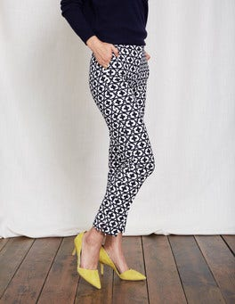 Ivory/Navy Linked Floral Richmond 7/8 Pants