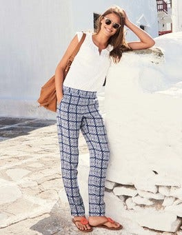 The Holiday Pull on Pant