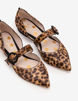 Evie Pointed Flats