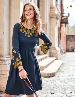 Emilia Kleid mit Stickerei