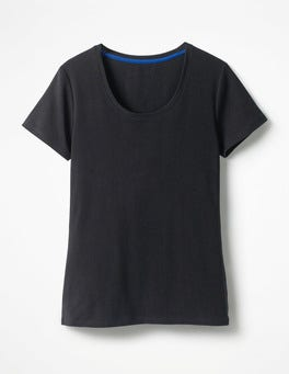 Black Essential Short Sleeve Tee