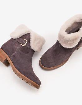 Cumbria Shearling Boots