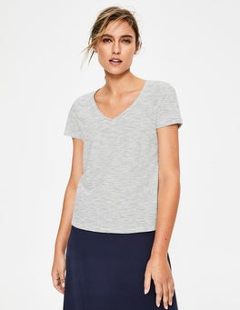 Ivory/Navy The Cotton V-neck Tee