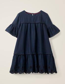 Dunkelblau Kleid mit abgesetzter Taille und Lochstickerei