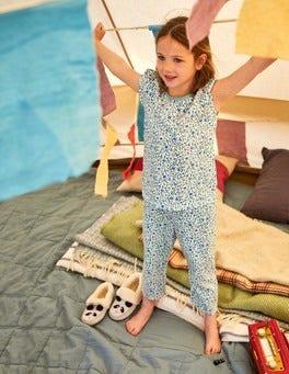 Gemusterter Schlafanzug