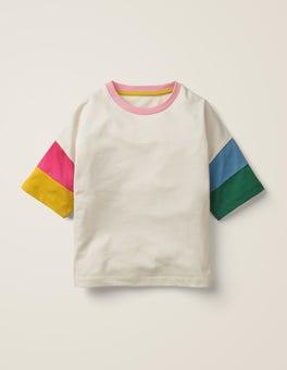 Naturweiß T-Shirt mit Regenbogenärmeln