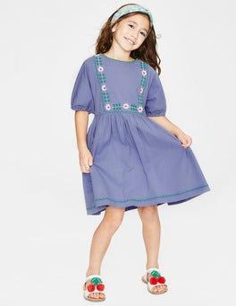 Gedecktes Schwertlilienviolett Boho-Kleid mit Stickerei