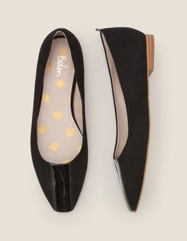 Black Frieda Flats